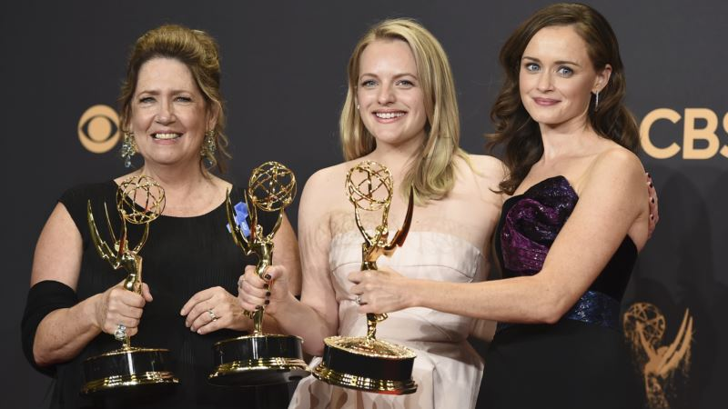 Women Win Big at Emmys, in Front of and Behind the Camera