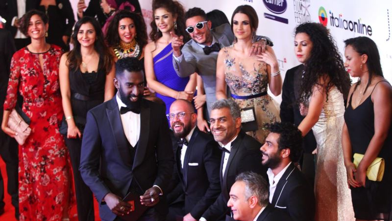 Ultraconservative Islam, King of Pop Meet in Egyptian Film