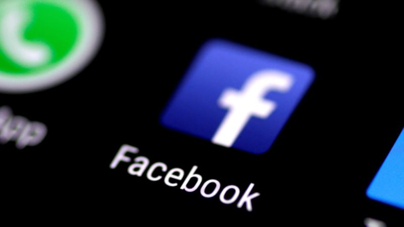 Facebook Tests Splitting Its News Feed Into Two