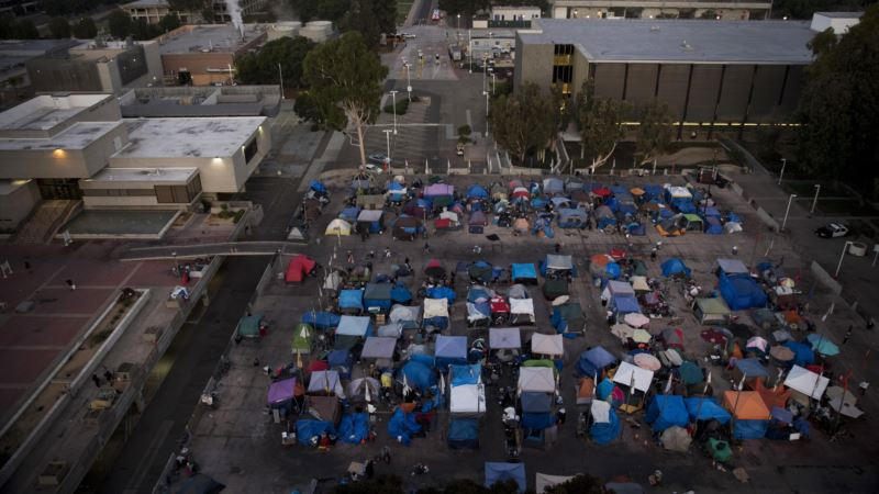 In Silicon Valley, the Homeless Illustrate a Growing Divide