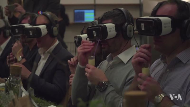 A Gastronomical Virtual Experience: Enjoying the Taste of Food Without the Calories