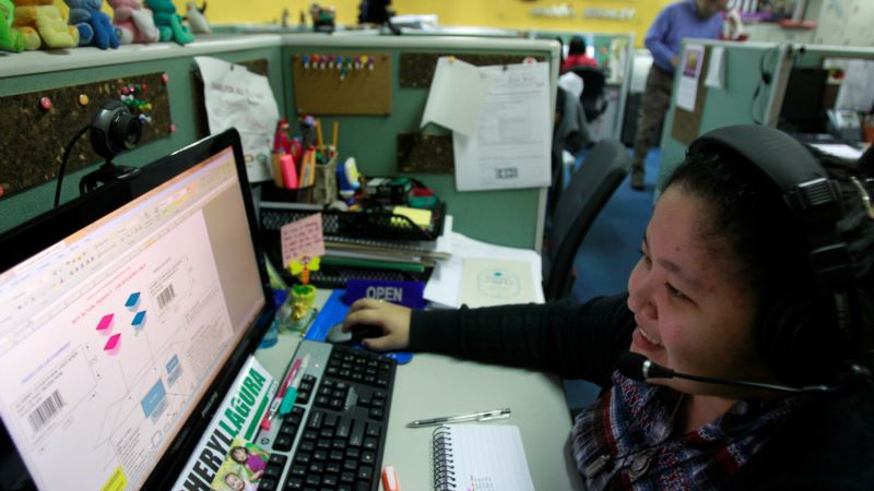 Philippine Outsourcing Industry Braces for Artificial Intelligence