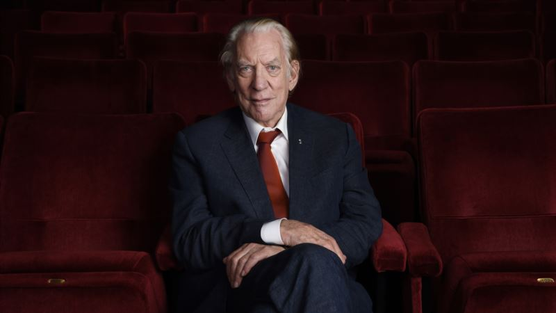 After Bright Career, Donald Sutherland Finally Nabs Oscar
