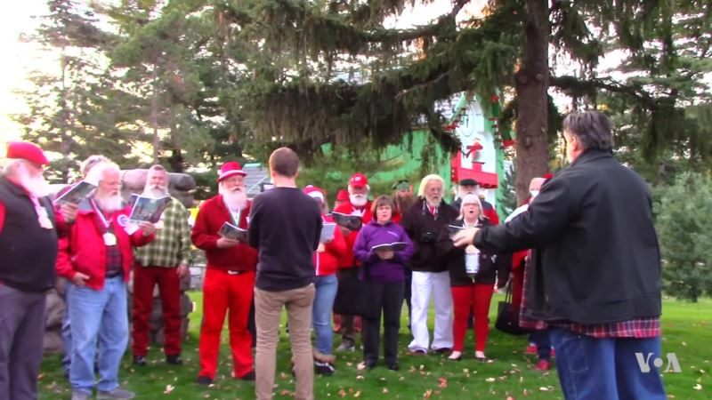 Stand-in Santas Get Refresher Course for Holidays