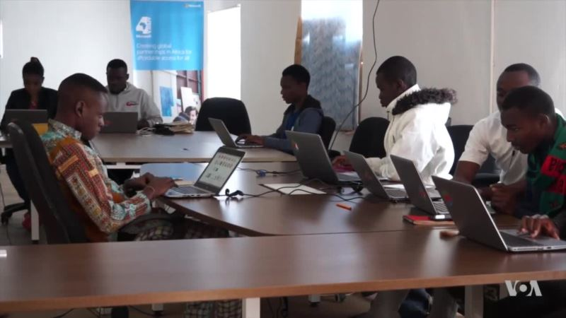 Tech Training Brings Hope to Young Refugees in Malawi