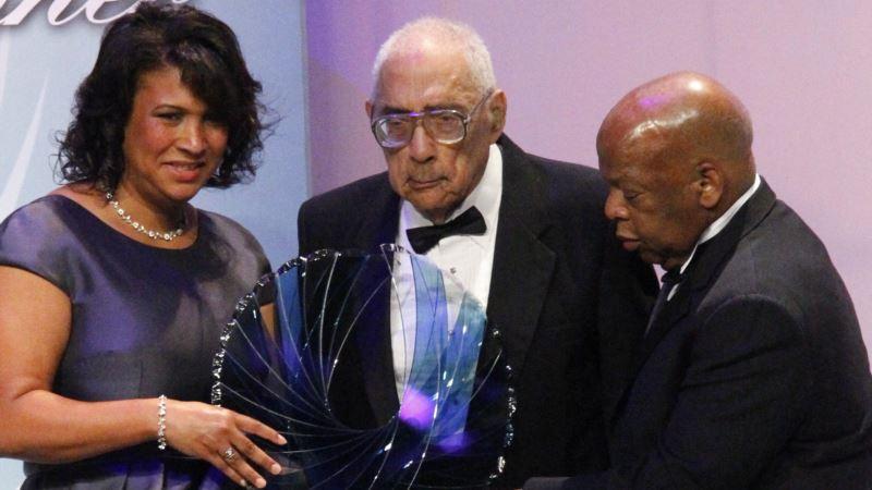Pioneering Black Journalist Simeon Booker Dies at 99