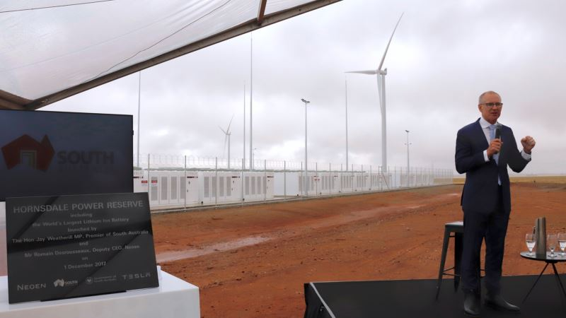 Tesla Plugs Biggest Battery into Australian Outback