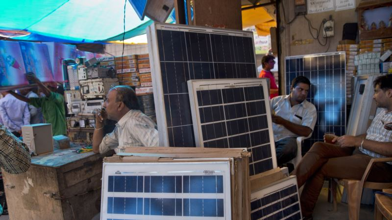 Researchers: More Green Power Could Lessen India's Water, Electricity Problems