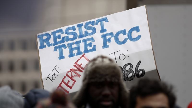 Democrats Vow to Force Vote on Net Neutrality, Make It a Campaign Issue