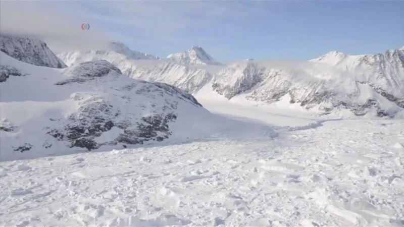 Underwater Robots Monitor Changes Under Antarctic Ice Sheet