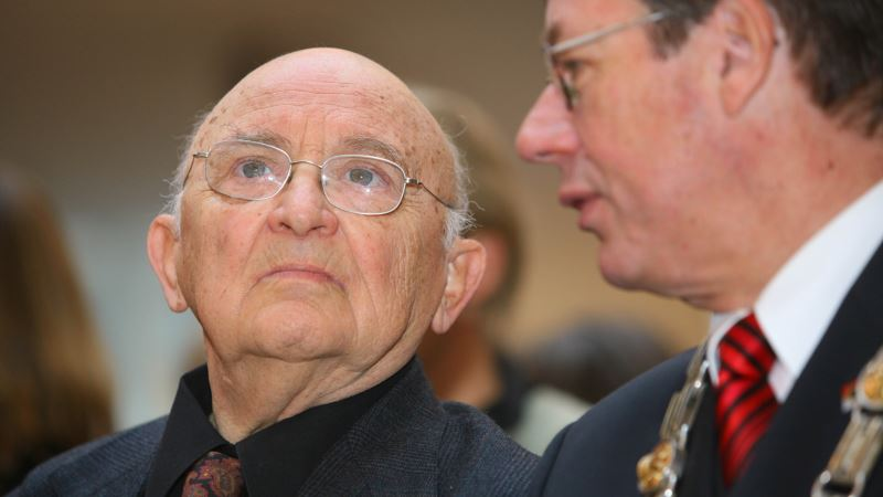 Novelist, Holocaust Survivor Appelfeld Dies in Israel at 85