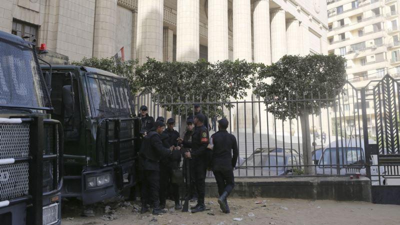 Egypt Detains Female Singer for Video Inciting Debauchery