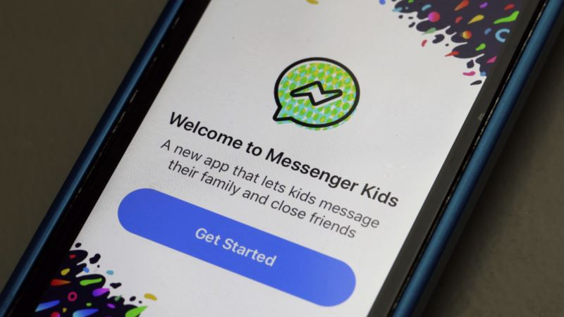 Facebook Forges Ahead With Kids App Despite Expert Criticism