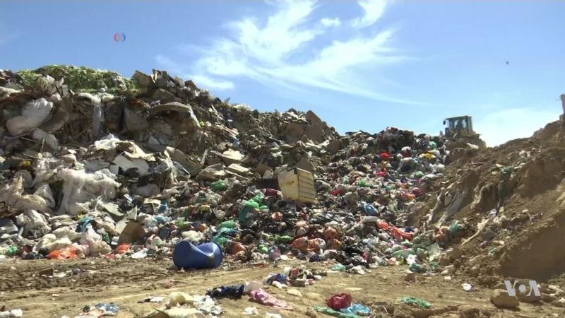 Israeli Company Converts Trash Into Household Items