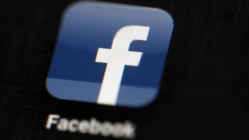Facebook Cuts Ties with Cambridge Analytica, Consulting Firm