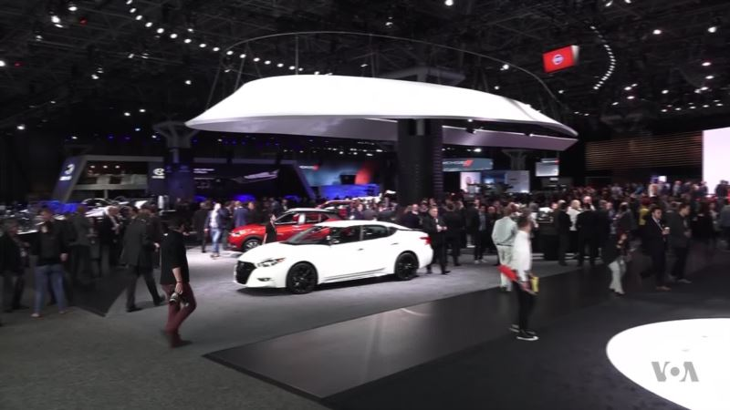 NY Auto Show Features Electric, Self-Driving Cars