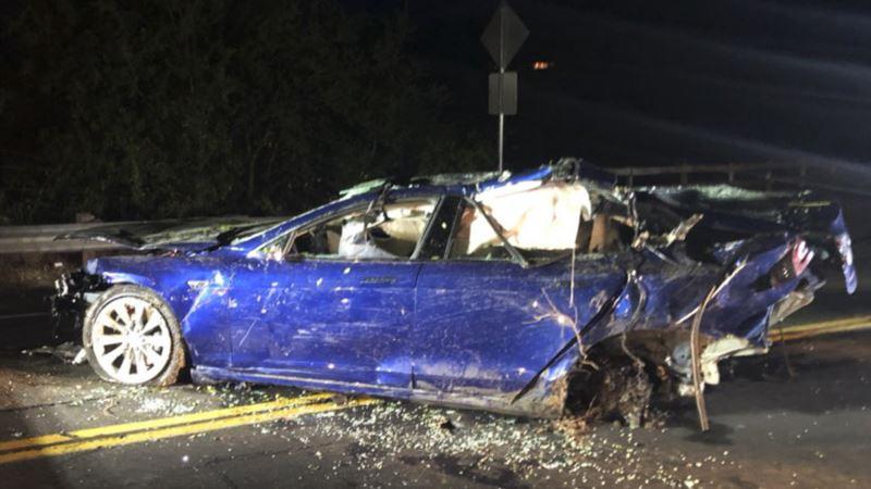 Man Dies After Tesla Crashes into San Francisco-Area Pond