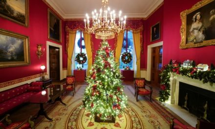 'America the Beautiful' Is White House Theme for Christmas