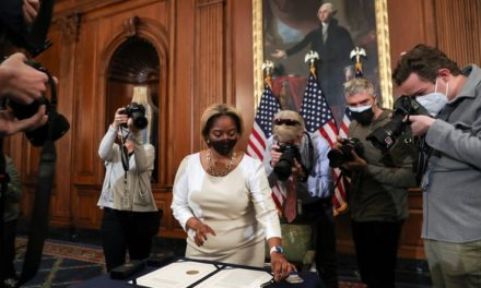 US House Impeaches Trump for Inciting Deadly Capitol Riot
